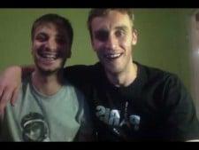"Guillaume Samica & Antonin Rouzier sing ""Pada śnieg"""