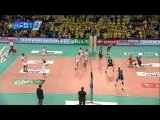 One-hand sets show in match Skra - Kędzierzyn