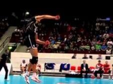 Matey Kaziyski serve in slow motion