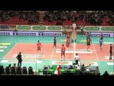 Tonazzo Padova blocks ends first set (Padova - Perugia)