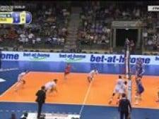 Nicolas Le Goff leg dig and N'Gapeth kill (Russia - France)