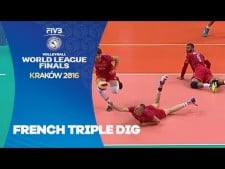 France three digs in one action (Italy - France)